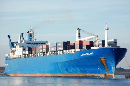 深圳海运到美国快船就选保时运通为您保驾护航!